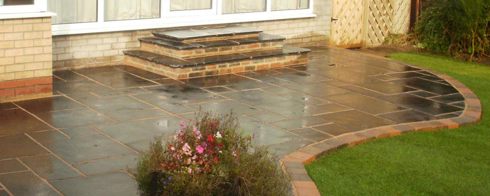 NW Driveway, the premier driveway and patio flagging company in the Stockport area